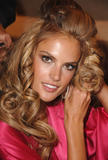 th_96776_fashiongallery_VSShow08_Backstage_AlessandraAmbrosio-41_122_412lo.jpg