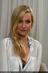 Kate Hudson - Almay Intense i-Color Bold Nudes And Smart Shade Mousse Makeup Launch - December 3