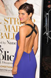 th_38916_celebrity-paradise.com-The_Elder-Lake_Bell_2009-12-09_-_NY_Premiere_Of_Its_Complicated_1344_122_652lo.jpg