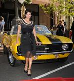 th_61664_Laura_Harring_2009-03-31_-_Rally_for_Kids_with_Cancer_press_conference_in_Glendale_321_122_860lo.jpg