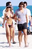 Shauna Sand pink bikini - Miami Beach-01/23 Foto 222 (Шона Сэнд Ламас Pink Bikini - Майами Beach-01/23 Фото 222)